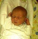 ŠIMON JIRÁNEK se narodil Janě a Radkovi Jiránkovým 13. dubna. Po porodu vážil 3,08 kg a měřil          50 cm.  Doma na něj čekala sestřička Ema.