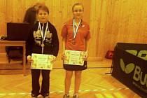 Stolní tenisté Jakub Tázler z Chomutic a Soňa Petrová z Miletína na krajském přeboru ve Voděradech.