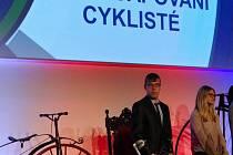 Vyhodnocení nejlepších cyklistů v kongresovém centru v Letňanech.