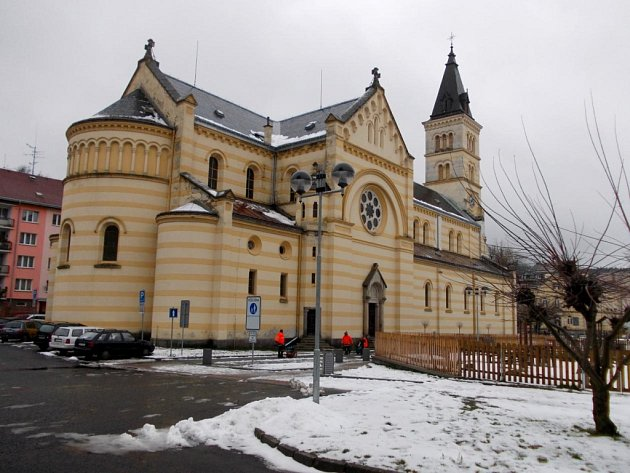 Kostel Božího těla vKraslicích.