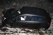 Nehody na prvním prosincovém sněhu.