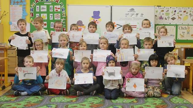 DVAADVACET PŘÁNÍ pro Cipíska vytvořily děti z jičínské základní školy 17. listopadu. A šly do toho opravdu s vervou, i když jim musela někdy poradit učitelka Broňa Podhajská.