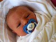Ondřej Dědek přišel na svět 10. listopadu s váhou 3,95 kg a mírou 52 cm. Radost z miminka mají rodiče Kateřina a Jaroslav Dědkovi z Oseku u Sobotky.