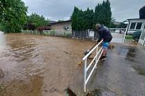 Voda se přehnala především Hořickem. V Dobré Vodě se vylil z koryta místní potok, do  Valdic se valila voda z polí.