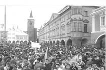 Třicáté výročí sametové revoluce připomíná řada vzpomínkových akcí.