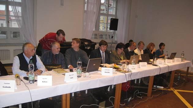 Zasedání jičínských zastupitelů.