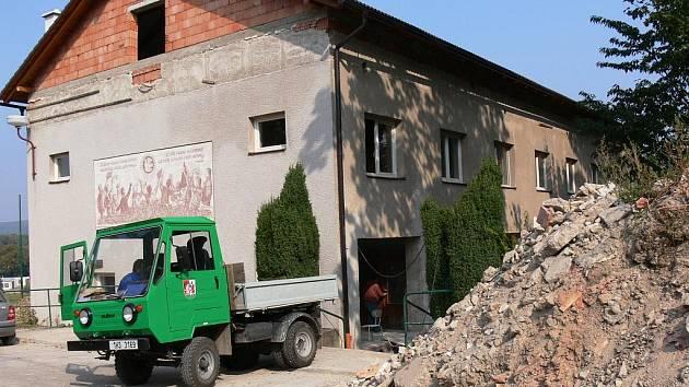Bělohradský areál U Lva, září 2009.