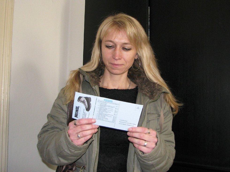Radka Havlová převzala výhru pro svoji sestru Ivu Letošníkovou.
