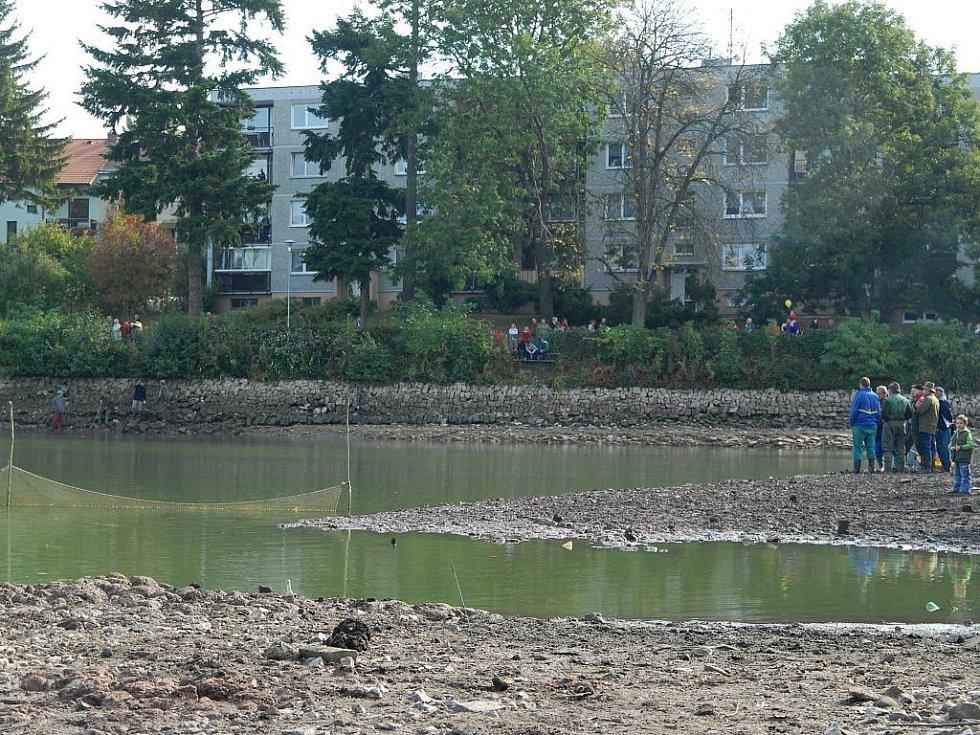 Před výlovem rybníka Kníže.