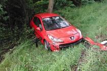 Nehoda peugeotu u Miletína.