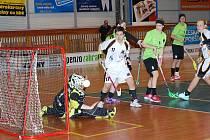 Extraligové florbalistky Jičína neuspěly v duelu s Chodovem. Na snímku poslední domácí utkání družstva, ve kterém změřilo síly s celkem Liberce (3:9).
