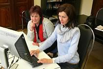 Eva Marksová (vlevo) s Evou Špirochovou při on-line rozhovoru.