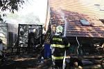 Devět jednotek hasičů zasahovalo v Tetíně u požáru, který byl způsoben samovznícením uhlí.