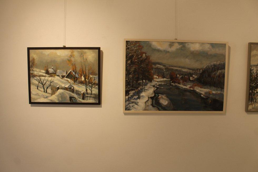 Letošní výstavní sezónu zahajuje v novopackém muzeu zdejší rodák, malíř Vlastimil Mužíček.