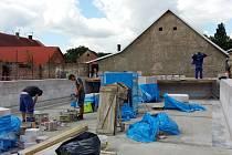 Výstavba nové skladovací haly ve Vysokém Veselí.