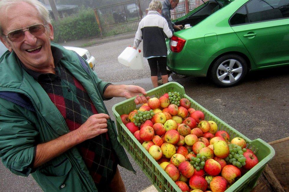 Moštování ovoce v Radimi.