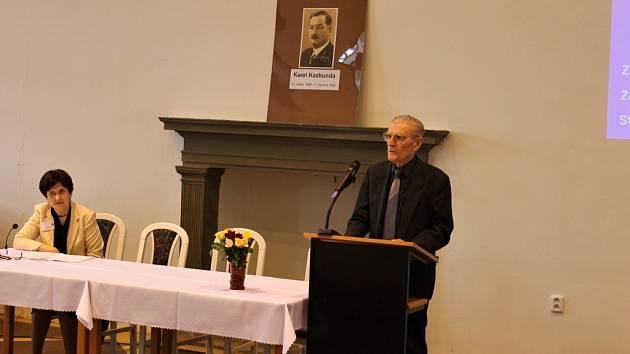 Z vědecké konference o Karlu Kazbundovi.