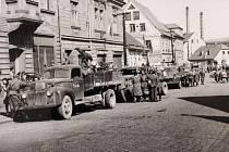Rusové v ulici Legií, 10. května 1945.