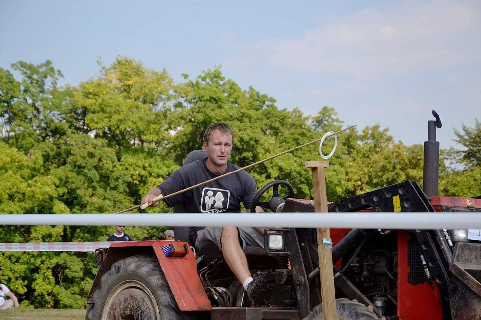 Traktoriáda ve Zboží.