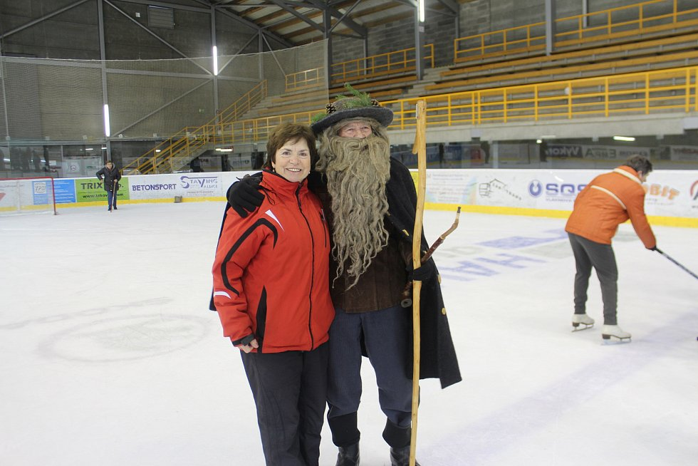 Osmých zimních sportovních her seniorů v Nové Pace se zúčastnil rekordní počet účastníků, z celého kraje se jich sjelo do Ski areálu Máchovka 233.