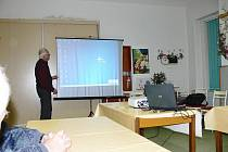 Z cestopisné přednášky Otto Macla pořádané ostroměřskými zahrádkáři.