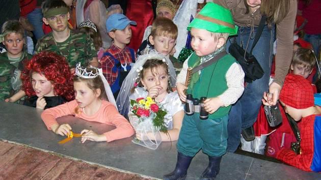 Z dětského karnevalu v Čisté u Horek.