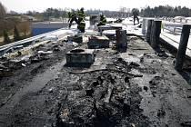 V Jičíně hořela střecha nově budované průmyslové haly.
