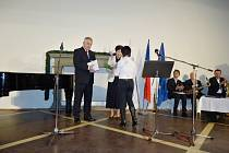 Z udílení Ceny města 2012 Jaroslav Havlíkovi.