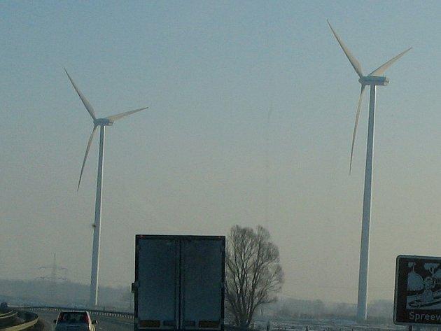 Větrné elektrárny jsou významným zdrojem energie.