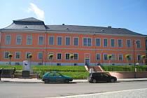 Zámek v Lomnici nad Popelkou.