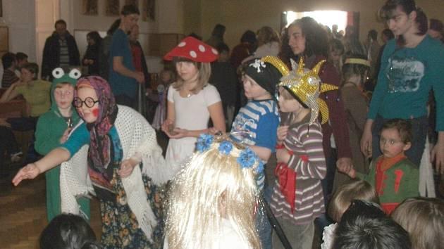 Maškarní karneval v Miletíně.