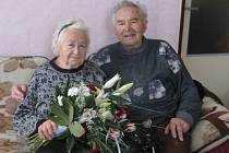 Manželé Josef a Jarmila Rýgrovi z Libuně oslavili diamantovou svatbu.