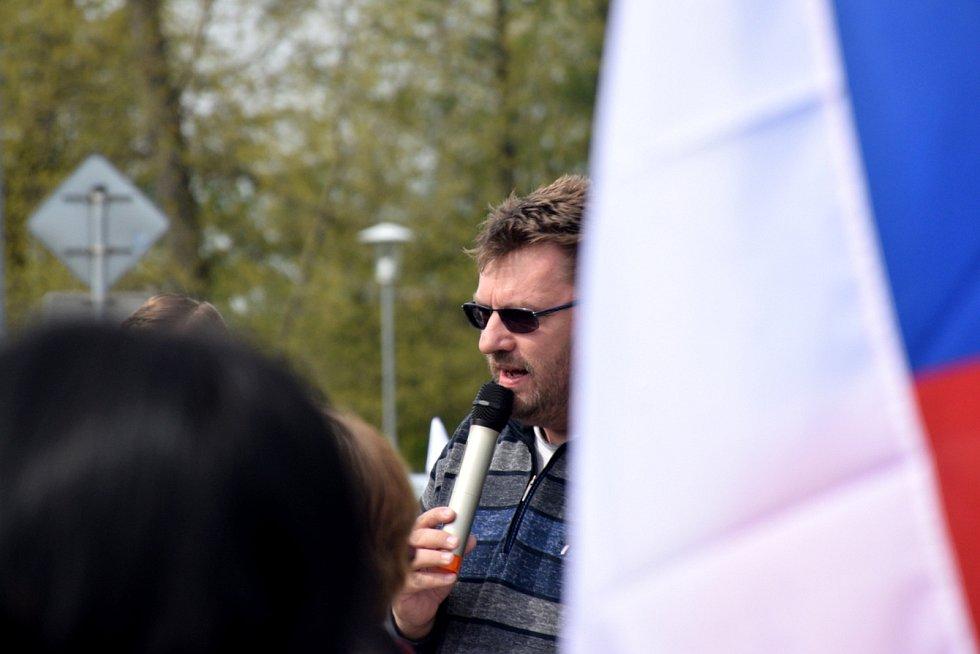 Lubomír Volný vystoupil na osobním setkání v sobotu dopoledne u jičínského Kauflandu.