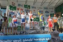 Snímek z vyhlášení výsledků na velmi náročném českém MTB maratonu.