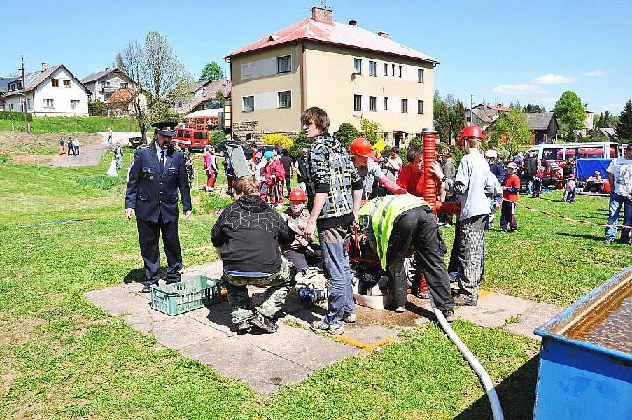 Z činnosti čisteckých hasičů.