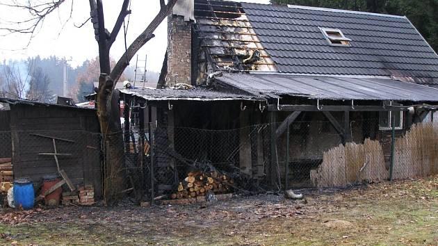 Po požáru chatky na Dachovech.