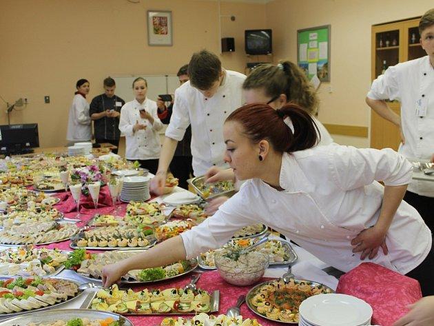 Kurz studené kuchyně v novopacké SŠGS.