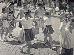 Májová oslava v Hořicích roku 1967.
