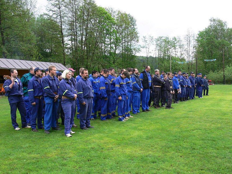 Z okrskových hasičských soutěží v Úbislavicích a Brdě.