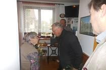 Paní Věra Brožová při oslavě pětadevadesátin.