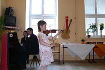 Z přehlídky mladých houslistů.