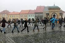 Studenti jičínského Lepařova gymnázia si přiipomněli 17. listopad.