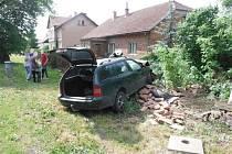 Autonehoda v Chomuticích.