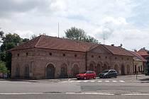 Ostudy Lázní Bělohrad, Pižlův dům na náměstí.