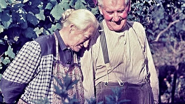 Babička s dědou.