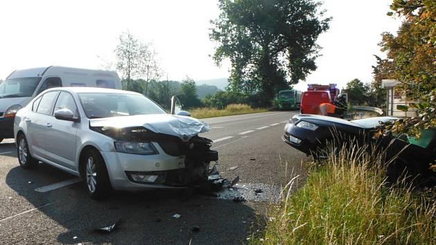 Dopravní nehoda u Kamenice se naštěstí obešla bez zranění. Škodu na vozidlech policisté vyčíslili na více než čtvrt milionu korun.