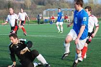 Jan Kynčl střílí rozhodující gól při utkání s Rudníkem.