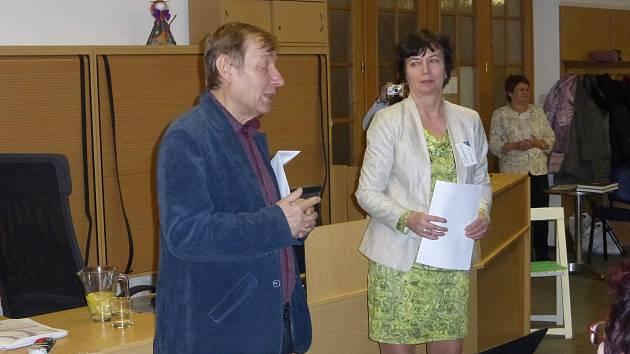 Jan Luštinec přednášel v jičínské knihovně o hraběti Harrachovi.
