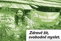Stanislav Penc mezi konopím. Plakát, kterým předseda krajské organizace Strany zelených vzbudil rozpaky.