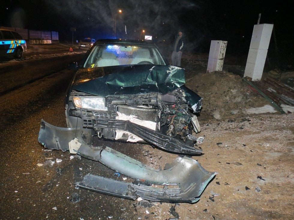Střet dvou automobilů v Popovicích.